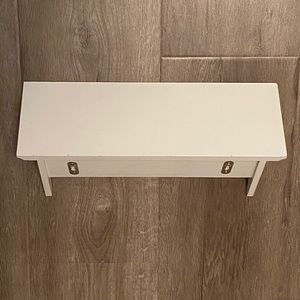 Wall Art - White little shelf with 3 hanging hooks